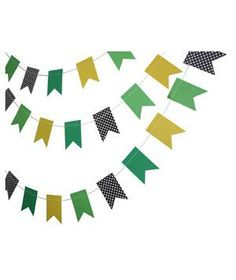Yellow and Green Paper Garland: Try a mix of classic colors (green, yellow, black) and unexpected prints, like polka dots, for a refined yet festive party atmosphere.