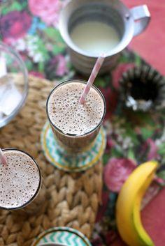 banana, leche y cafe con chocolate by joy the baker, via Flickr