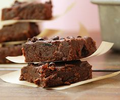 Fudgy Cranberry Paleo Brownie Bars #glutenfree #grainfree #paleo