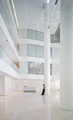 New Headquarters Of J&A Garrigues / EDDEA