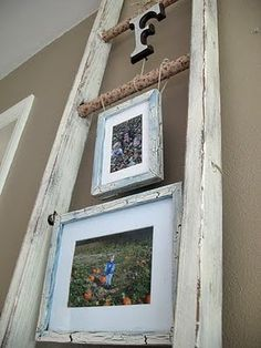 Love this idea for an old ladder! old ladder decor, picture frame for mom, craft, corner decorating ideas, ladders, old ladder projects, frame display, hous, diy