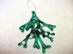 Mistletoe Bunch Christmas Ornament Fused Glass by Spleodar on Etsy, €30.00