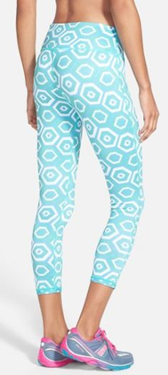 reversible #mint capri workout pants http://rstyle.me/n/c8her9te