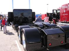 Mid-America Truck Show (Blacked Out Pete)