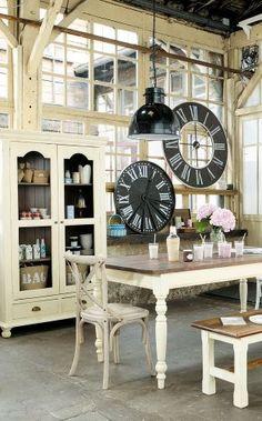 bistrot on pinterest bali french bistro and cafe design. Black Bedroom Furniture Sets. Home Design Ideas