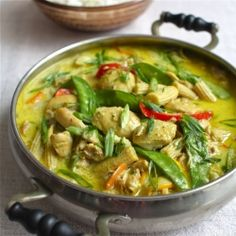 Slow cooker chicken with ginger and coconut milk
