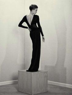 Vogue Paris 'L'heure du Départ'