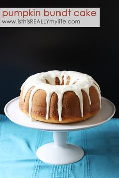 Pumpkin bundt cake with cream cheese frosting