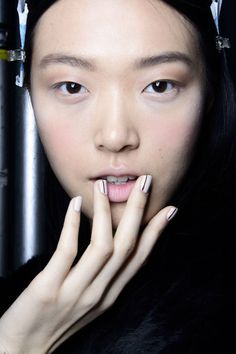5 fall nail trends spotted on the runway.
