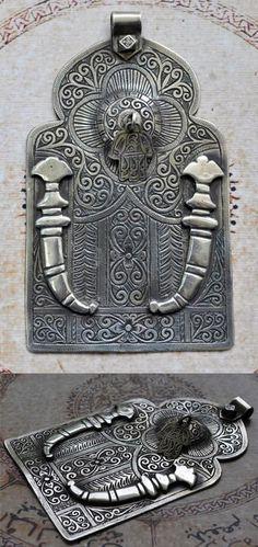 Morocco | Large vintage Khamsa {aka. Hamsa or Hand of Fatima} pendant | Sterling silver | 339$