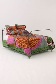 quilt! princess bedrooms, bedroom idea, bed frames, winter is coming, anthropologie, african prints, quilts, room makeovers, sweet dreams