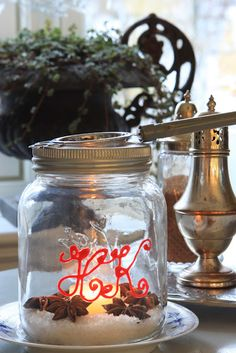 Put potpourri in a tea strainer and place it in mason jar-opening! Tealight sits on a bed of coarse salt.