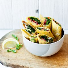 Wrapy z cienkich omletów - Przepis