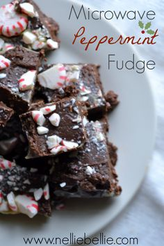 peppermint microwave fudge. only 4 ingredients and 5 minutes until this delicious treat is done! christmas foods, chocolate chips, delicious treats, microwav fudg, dessert recip, candi, fudge, microwave treats, condensed milk
