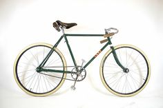 Vintage BSA track bike. │BSA by bishopscycles, via Flickr