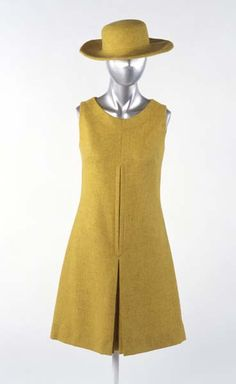 Yellow sleeveless mini-dress and hat   Mary Quant 1960