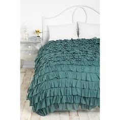 teal bedspread - is it wierd that i like this one??