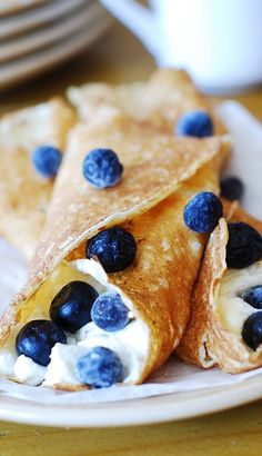 Crepes with sweetened ricotta cheese filling and blueberries | #breakfast #dessert