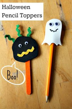 Halloween pencil toppers:: fun Halloween craft for kids, great for a Halloween party activity or non-candy trick or treat gift