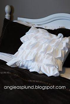 ruffled throw pillow tutorial