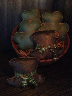 Primitive St. Patricks Day Shamrock and Leprechaun Hat bowl fillers.