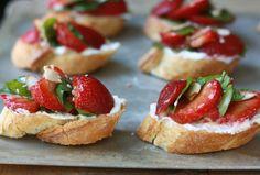strawberry with balsamic vinegar bruschetta summer
