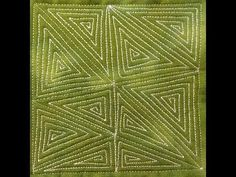 http://freemotionquilting.blogspot.com/2013/12/78-free-motion-quilting-garden-maze-419.html  #419 Learn how to free motion quilt Garden Maze!