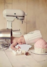 OMG so cute! I am going to try to get this picture with my little cupcake.
