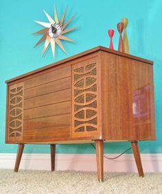 Mid Century 1960's Bar, AM/FM, Phono Console