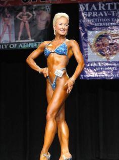 Laura Pine 2012 Jay Cutler Desert Classic Figure B Class Winner