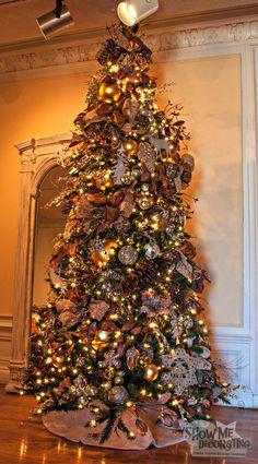 Christmas Tree decorated in Rustic Elegance #Southwest Christmas, #christmasdecor #countrychristmas #rusticchristmas #christmasdecorating #Burlap #Deer #Pinecones