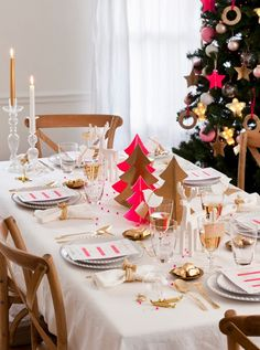 Neon Pink and Gold Christmas Decor {via Chic Deco}