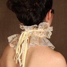 lace ruff collar