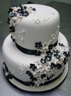 cake cookies, cupcak, white flowers, cake idea, fondant cake, flower cakes, white cakes, black, little flowers