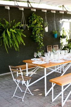 outdoor dining —Chris and Amber's Old + New Renovated Home | Apartment Therapy