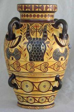 #Minoan #amphora #bull #labrys #axes #Knossos