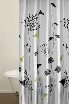 Love the green accents on this shower curtain.