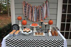 Halloween Treats Table #halloween #treatstable