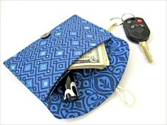 Re-imagine & Renovate - Put A Gift In It: Fabric Wallets | Sew4Home