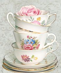 WHITE lot of 4 - Tea Cups & Saucers from England