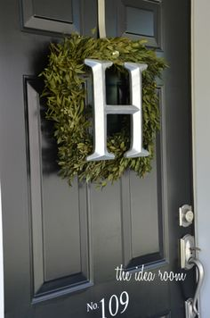 painted door wreath