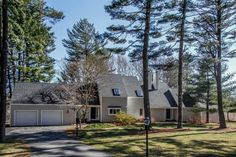 Waterfront with all season views at the edge of the north river situated on 6 acres in one of Norwell's finest cul-de-sac neighborhoods. 85 Harbor Lane, Norwell, MA - Offered by Liz McCarron - http://www.raveis.com/mls/71506092/85harborlane_norwell_ma