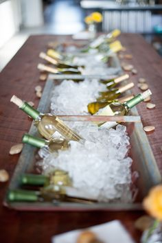Ice bucket table runner - nice!