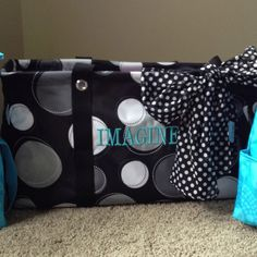 Large utility tote in black happy dot!!! Too cute!!!  www.mythirtyone.com/112841/