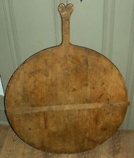 HUGE RARE ANTIQUE 1700S NEW ENGLAND CUTTING / BREAD BOARD HEART HANDLE INITIALS