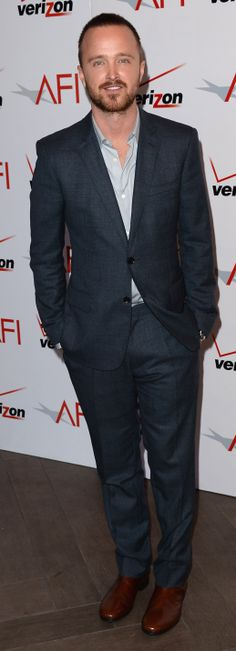 American actor Aaron Paul wearing Burberry to the AFI Awards luncheon Υπόδειγμα στυλ! @Silia Mills Vlachou