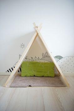 Teepee/play tent.