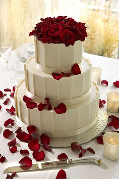 Wedding Ideas / Chocolate cake with white choc frosting and rose petals