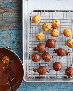 Peanut Butter & Chocolate pretzel balls