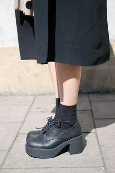 white pepper, fashion, style, cloth, black shoes, chunki platform, heels, chunki heel, black sock